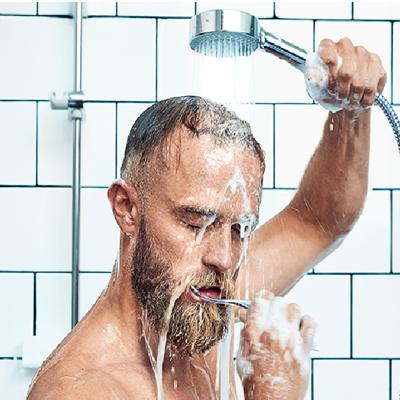 За время чистки зубов расходуется 19 литров воды