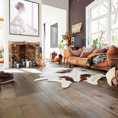 Puitpõrand, mis kannatab välja ka tikk-kontsad